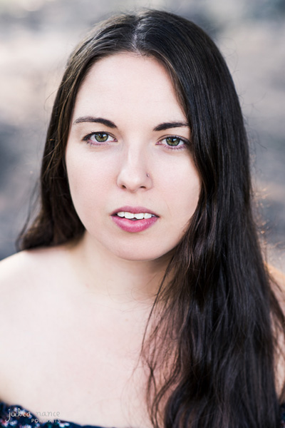 Melbourne Actors Headshots - natural light headshot of brunette girl